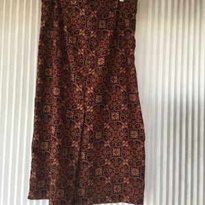 Brushed mid length skirt
